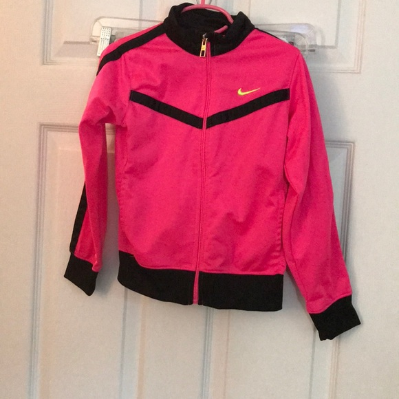 eb9210f924 Nike girls sports jacket bright pink. M 5b7c8c3b1299554f3b7a13ce